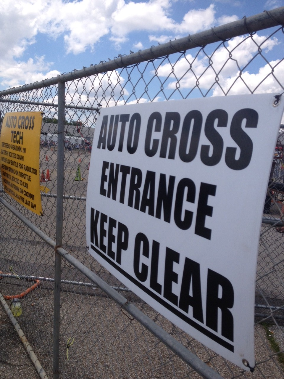 Auto Cross Sign